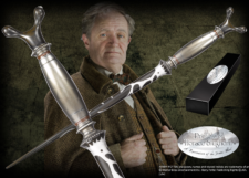 The wand of Professor Horace Slughorn, Potions Master and Head of Slytherin House. Character box contains name clip.
