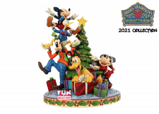 Disney Traditions: Fab 5 Decorating the Tree